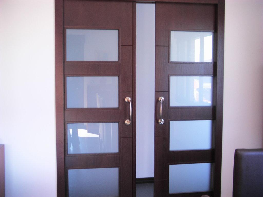 Pol tica de puertas abiertas pon color a la comunicaci n - Decoracion puertas blancas ...