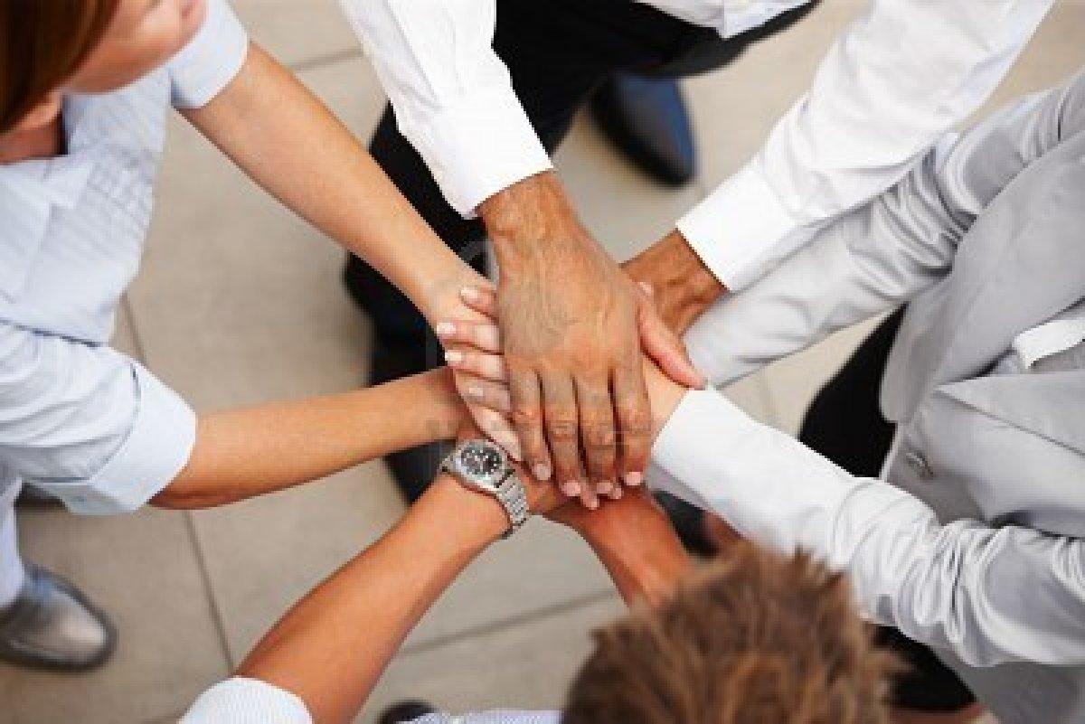 La actitud que desarrolla la persona respecto a su trabajo y su empresa condiciona su comportamiento y su rendimiento.